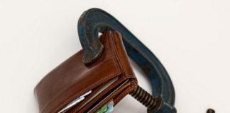5 Ways to Avoid the Debt Trap