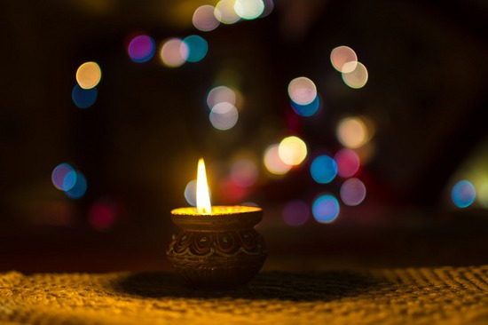 5 Types of Auspicious yet Beautiful Diyas for Upcoming Diwali!!