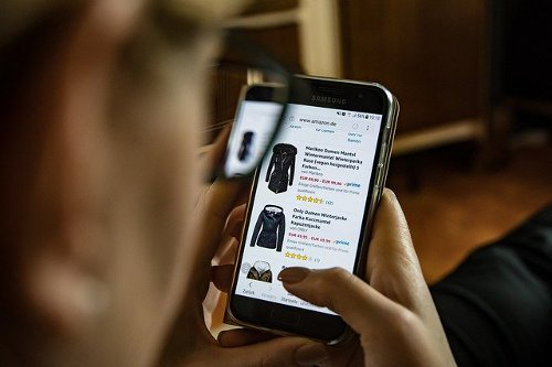 Tips for Saving Money While Shopping Online