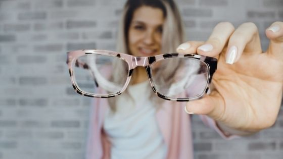 How to Choose the Right Frame for Your Eyeglasses