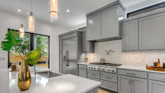 Tips for Designing a Kitchen for a Large Home