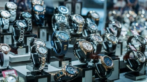 The 5 Best Luxury Watches For Travelers