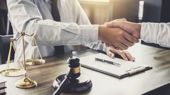 5 Mistakes to Avoid When Selecting a Lawyer To Represent Your Case