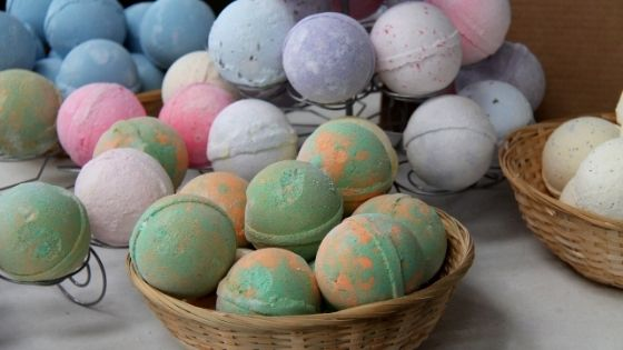 Why People Love Bath Bombs